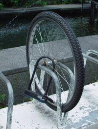 pyörästä varastettu osia