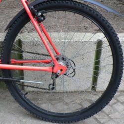 juomapullon kiinnitys pyörään